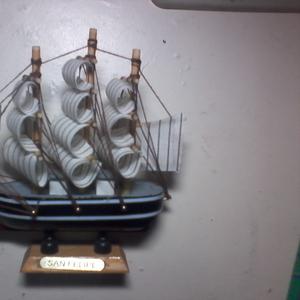 модель кораблика