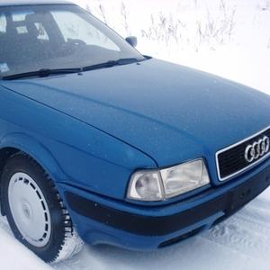 Продам автомобиль  Ауди B4  1992