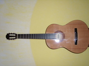 Продаю  классическую гитару Hohner (новая).